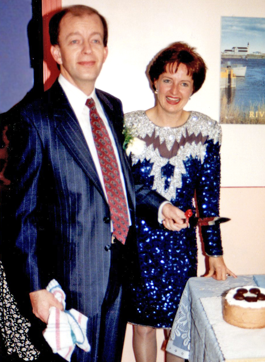 Cutting the cake, December 18, 1993